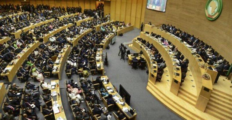 ردًّا على الانقلاب.. الاتحاد الإفريقي يعلّق عضوية غينيا في جميع أنشطة الاتحاد