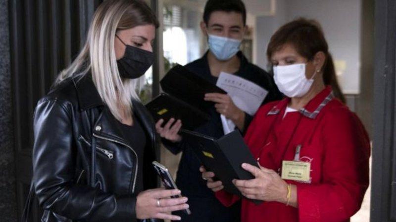 """إيطاليا: إلزام جميع العاملين بتقديم """"بطاقة مرور خضراء"""" تثبت الحصول على لقاح كورونا"""