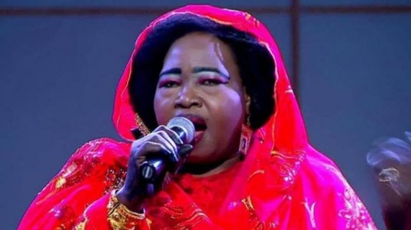 وفاة الفنانة السودانية ستونة.. مطربة شيكولاتة مع هنيدي