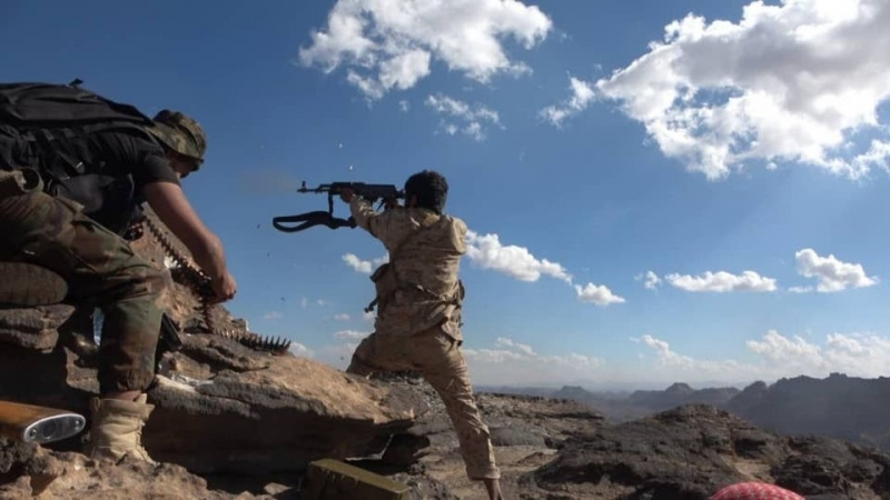 الجيش اليمني يستهدف اجتماعاً لقيادات حوثية شرق صنعاء
