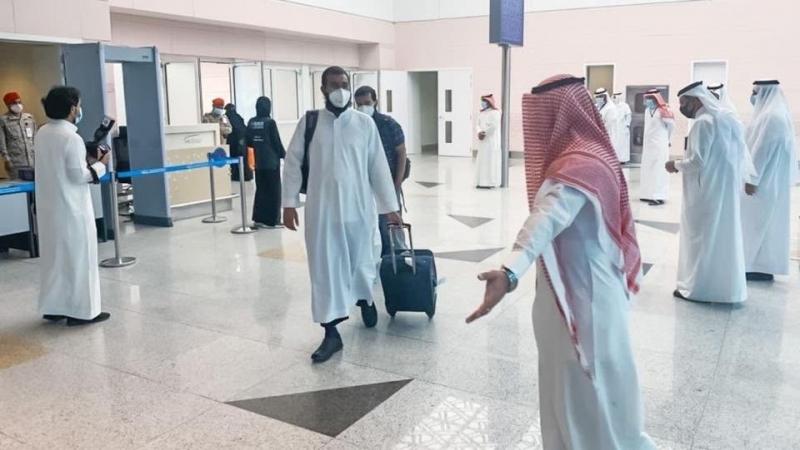 وصول الدفعة الأولى من الحجاج إلى مكة